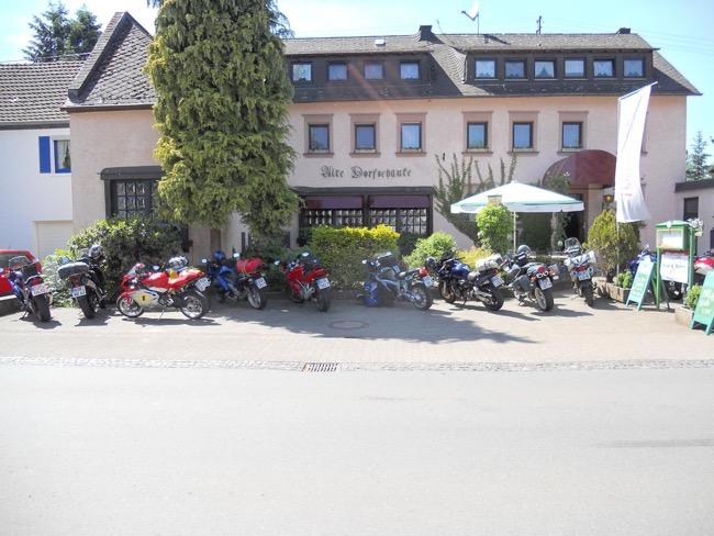 Motoren van harte welkom in hotel Alte Dorfschänke