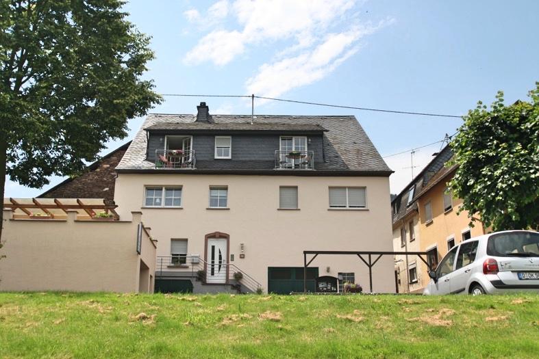 Haus en Weingut Moselblick in Reil
