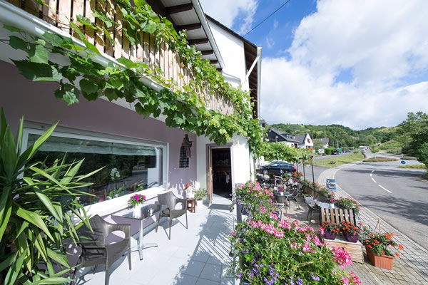 Hotel Nora Emmerich in Winningen bij Koblenz